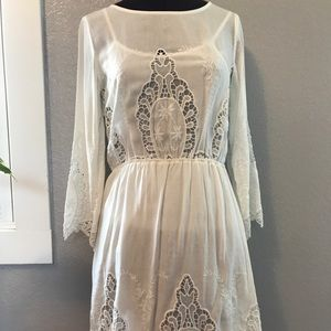 Ark & Co. dress white lace. Small